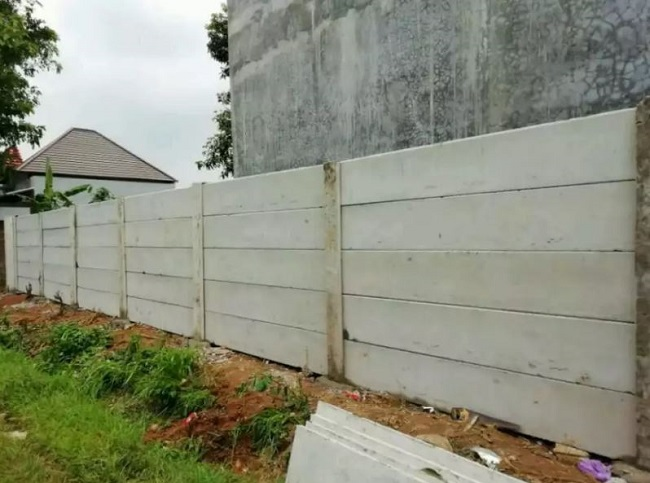 Analisa Harga Satuan Pemasangan Pagar Panel Beton Area Gudang Bogor Tengah