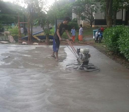Jasa Trowel Lantai Beton Floor Hardener di Nyomplong Sukabumi